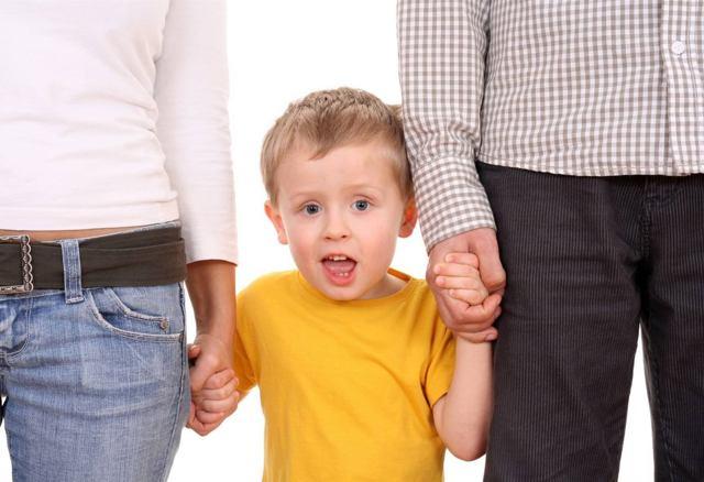 Как усыновить ребенка из детского дома в 2021 году: документы, что нужно?