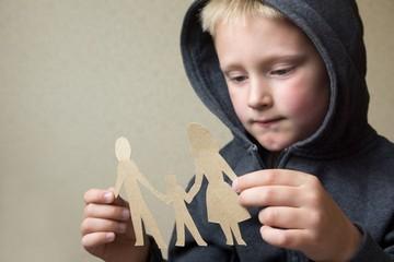 Алименты на несовершеннолетних детей: размер, оформление, порядок выплат в 2021 году