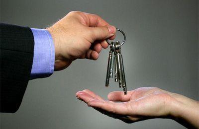 Алименты имуществом в 2021 году: можно ли оформить в счет алиментов дом, квартиру, машину